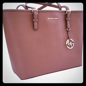 Michael Kors Luggage Jet Set Leather Tote